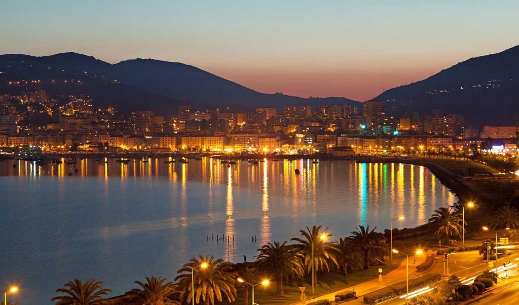 Ajaccio en Corse la nuit