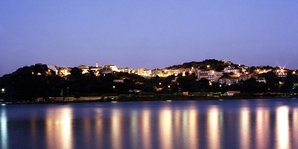 Porto Vecchio en Corse la nuit